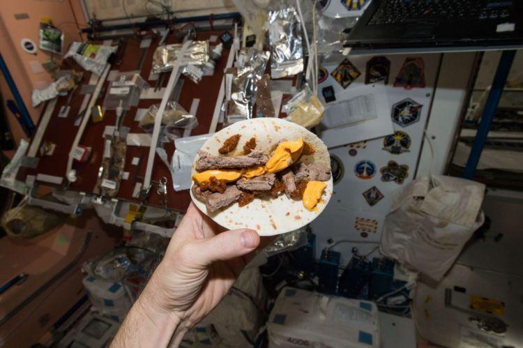 Ini burger luar angkasa
