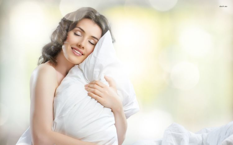 2686-woman-pillow