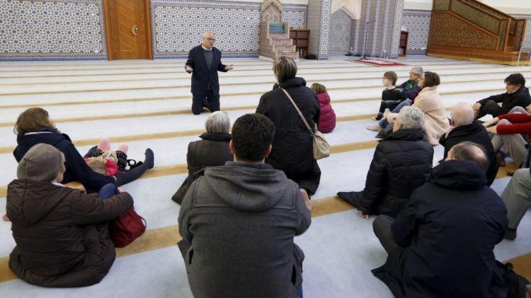 Suasana Visit My Mosque di Perancis