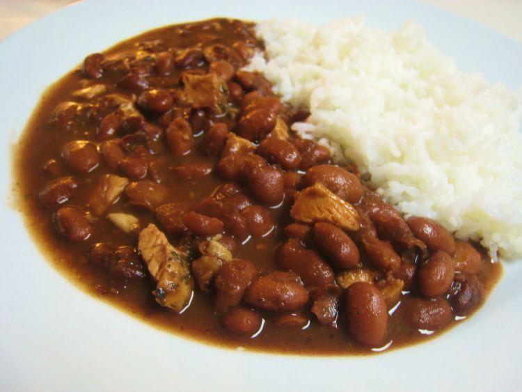 Makanan nasional Brazil bergantung pada pasokan kacang