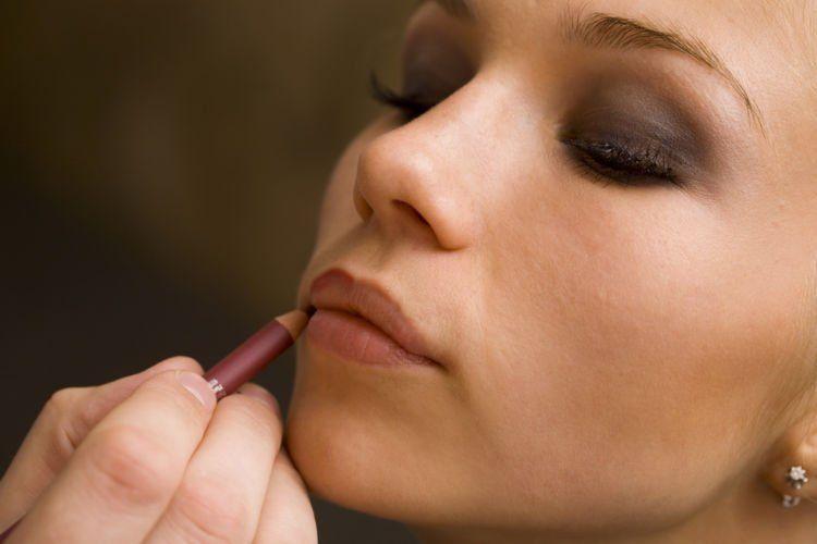 pilih yang sesuai warna bibir