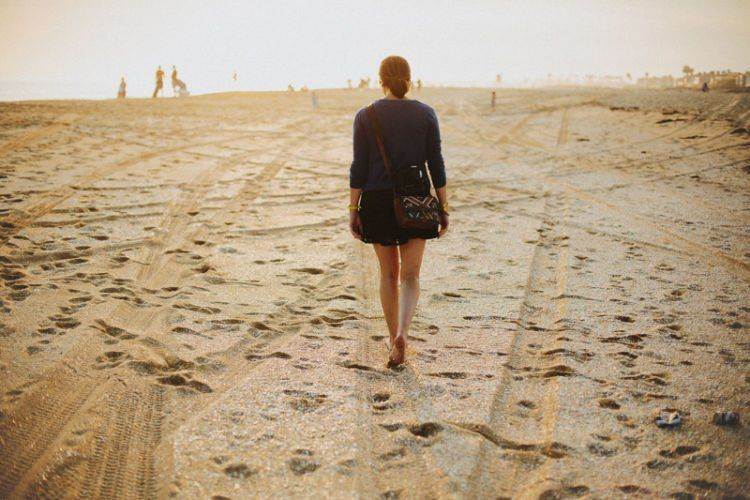 Ke pantai murah-meriah dan bisa santai