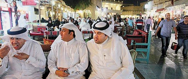 kalau Kuwait letaknya di Teluk Persia