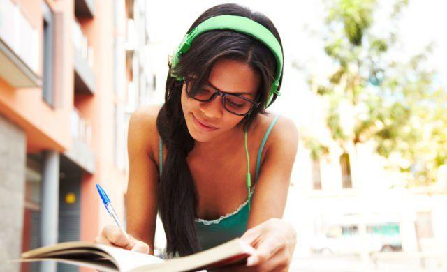 Belajar dari lagu