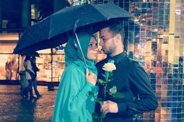 Kiat Menjadi Suami Istri yang Romantis