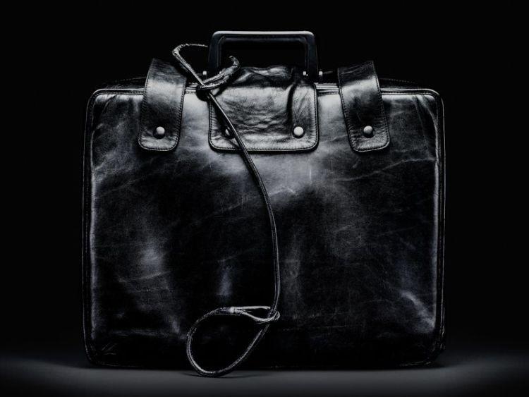 tasnya berat, tanggungjawabnya juga berat