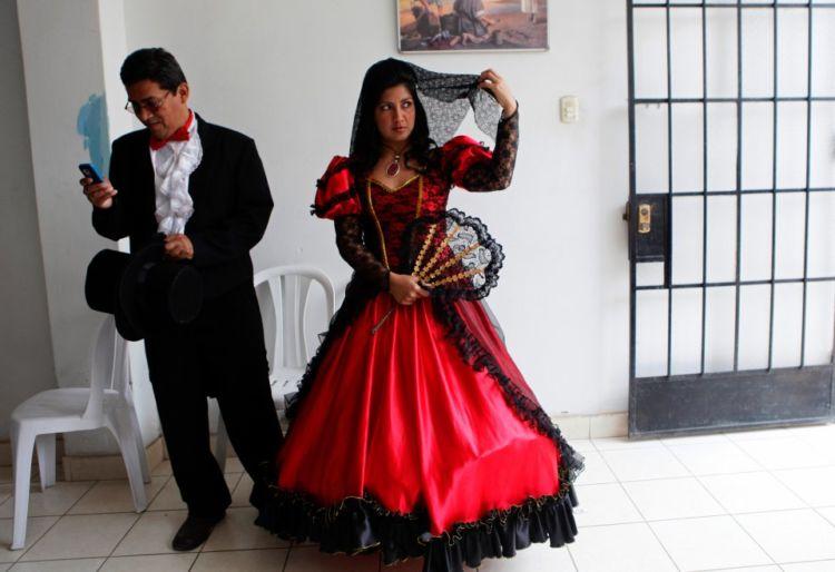 13 Gaun Pernikahan Tradisional dari Berbagai Negara