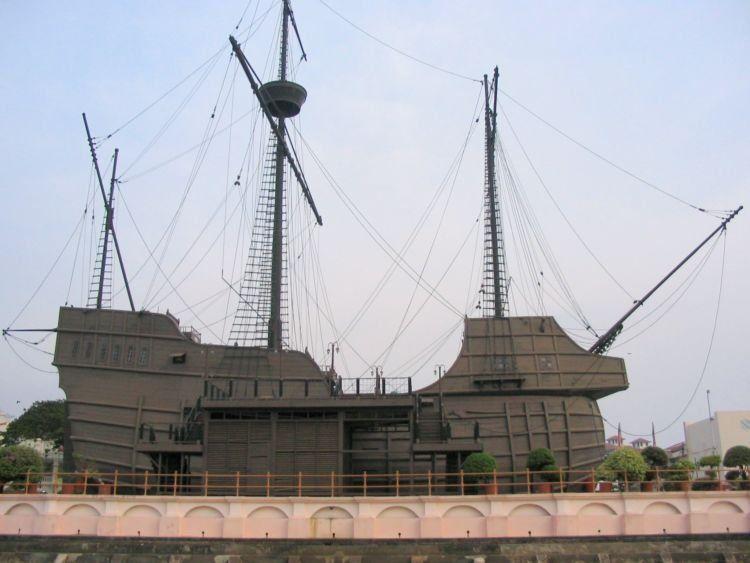 Replika kapal Flor De la mar di Malaysia