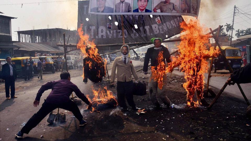 Protes keras dari warga setempat.