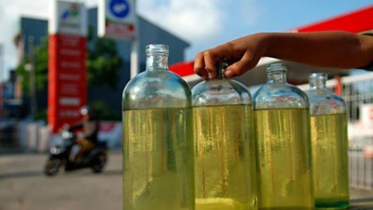3 Fakta Ilmiah Kenapa Banyak Orang Suka Bau Bensin. Yang Termasuk ...