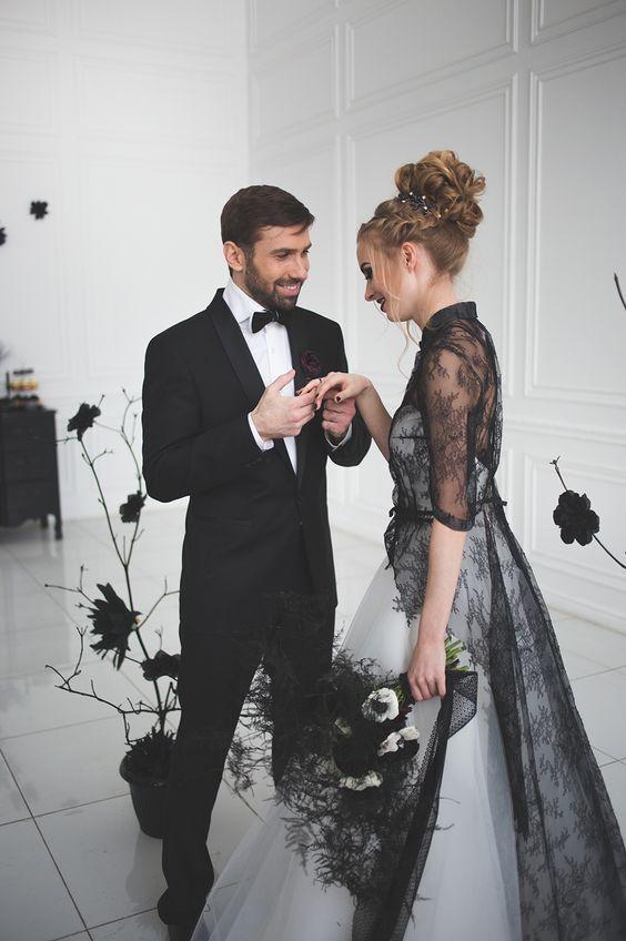 11 Ide Gaun Warna Hitam Untuk Pernikahan Siapa Bilang