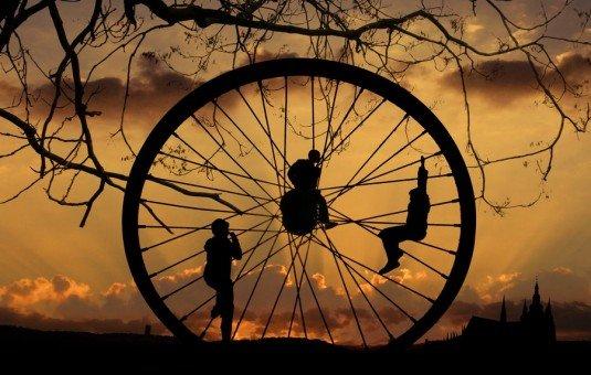 Roda kehidupan tak selalu mulus