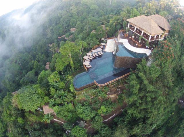 Hanging Garden, salah satu resort dengan desain infinity pool terbaik