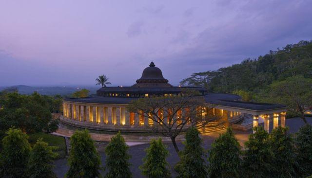 Sebuah resort yang bangunannya menyerupai Candi Borobudur