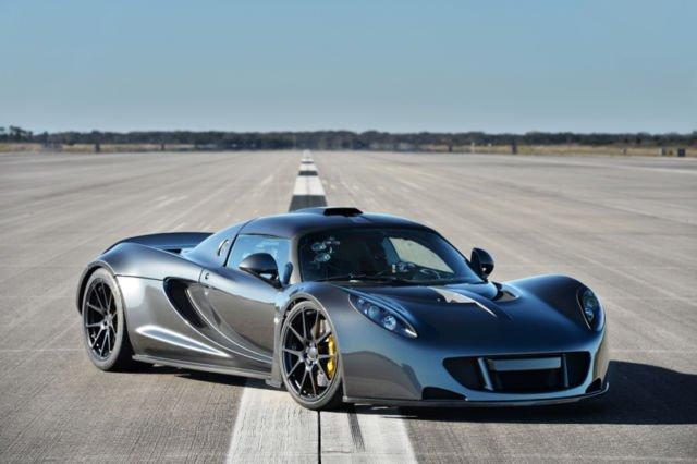Mobil Tercepat Hennessey Venom GT