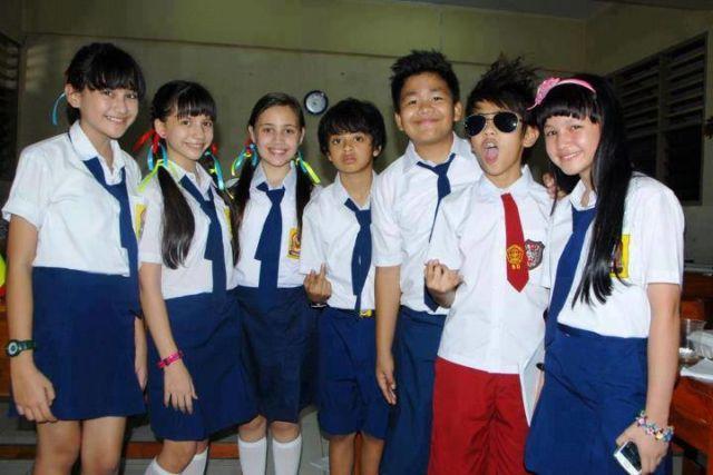 Seragam Sekolah Swasta 25