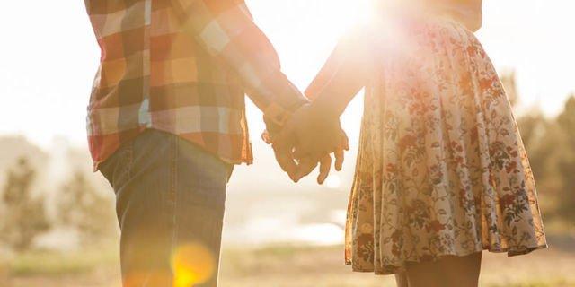 Tentukan Tema dengan Pasangan Kamu