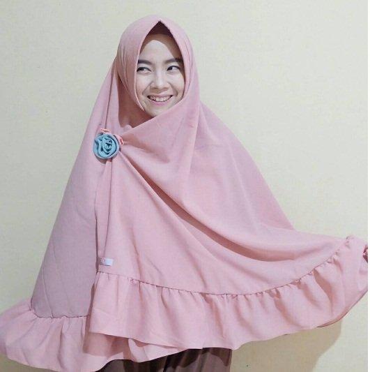 Foto Ressa Rere dengan hijab