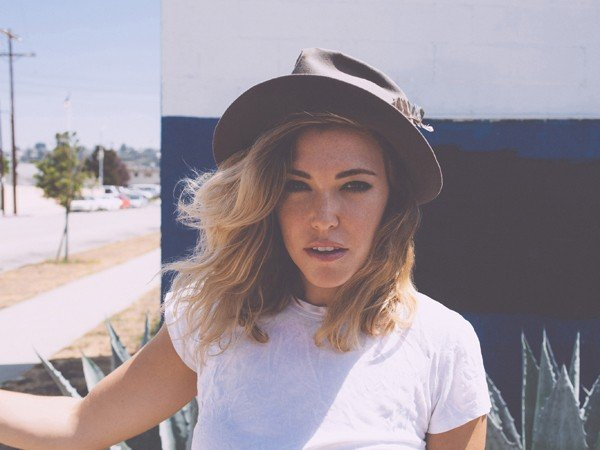 http://www.idolator.com/7589634/rachel-platten-interview-fight-song-debut-ep-video