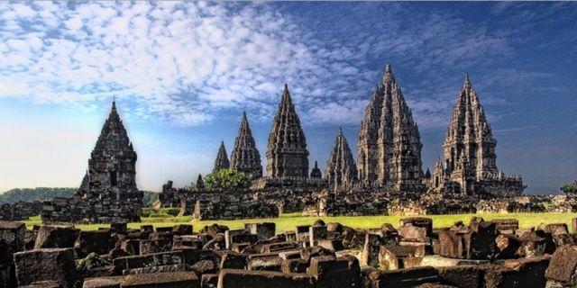 Destinasi wisata Indonesia memang nggak ada duanya!