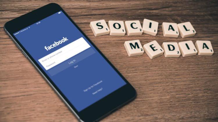 Hasil gambar untuk Berhenti Belajar Dan Buka Sosial Media Anda