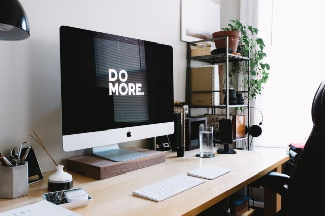 Optimalkan meja kerjamu