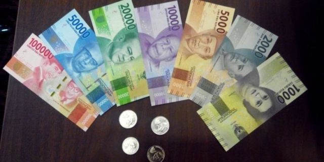 Ilustrasi Uang Baru
