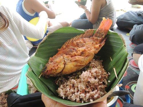 menu makanan di warung makan pantai tawang