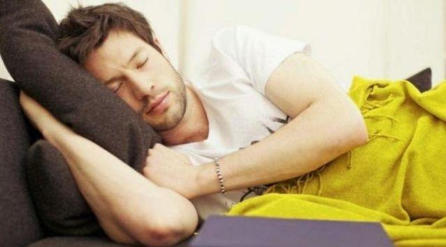 Tidur saat gabut