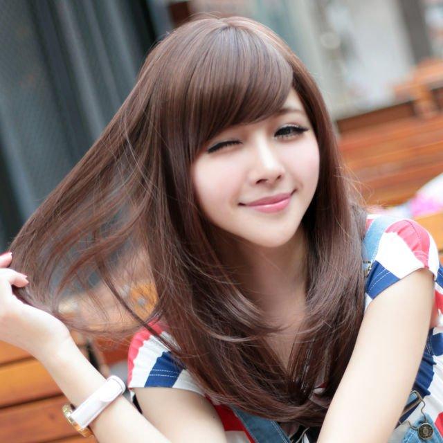 Pipi tembem dengan rambut panjang yang cantik