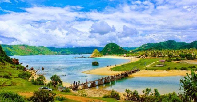 Seger Beach - Wisata Lombok