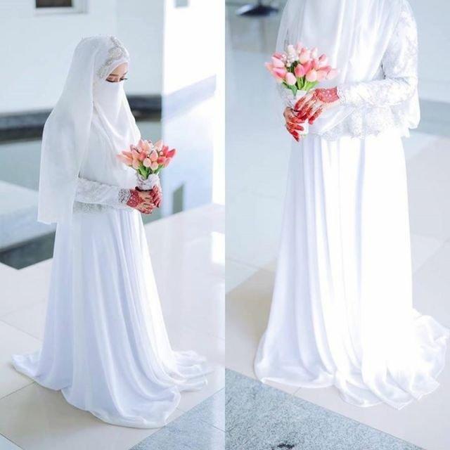 Galeri 15 Inspirasi Gaun Pengantin Bercadar Tampil Menawan Meski
