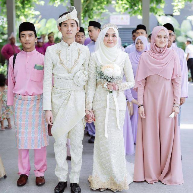 13 Inspirasi Gaun Pengantin Melayu Untukmu yang Berhijab