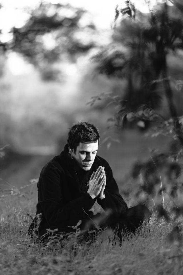 Berdoa dengan Tenang