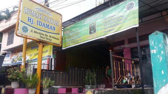 Kalian bisa makan disini nih.. Halal