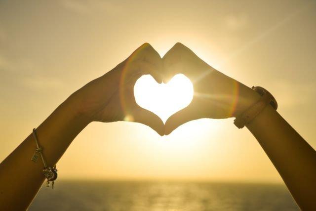 Tangan Cinta