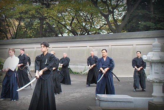 Chūgo (忠義 – Loyal) Menjaga Kesetiaan kepada satu pimpinan dan guru