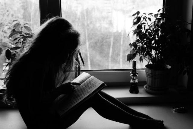 Membaca menjadi salah satu hal yang mendukung mahasiswa menjadi unggul