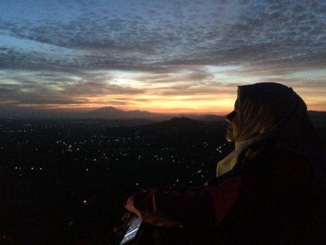 sunrise di watu langit prambanan