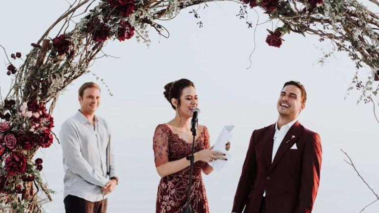 Kenal Lebih Jauh Prosesi Wedding Vow Ala Raisa Hamish Meski