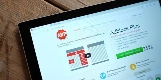Unduh Adblock Plus di laman resminya