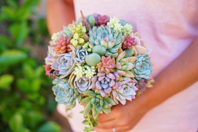 Nggak Harus Bunga, 20 Buket Kaktus untuk Pengantin Ini Pun