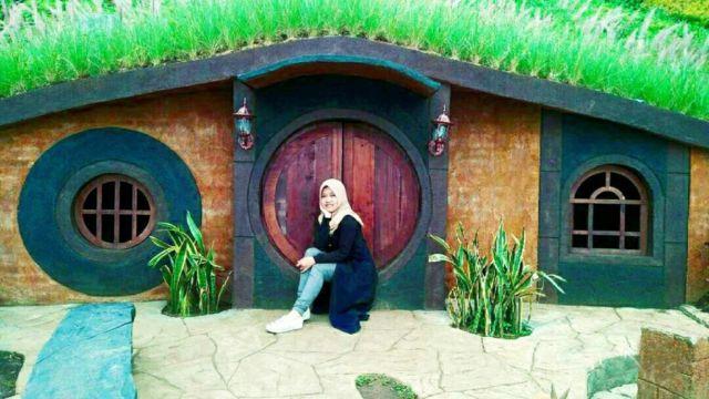 Rumah Hobbit di Taman Kelinci