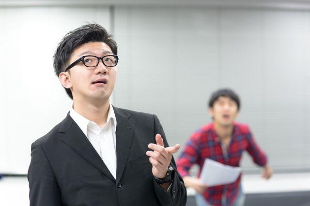 https://japanesestation.com/wp-content/uploads/2017/09/9-Cara-Yang-Bisa-Dilakukan-Pria-Untuk-Menarik-Perhatian-Wantita-Jepang.jpg