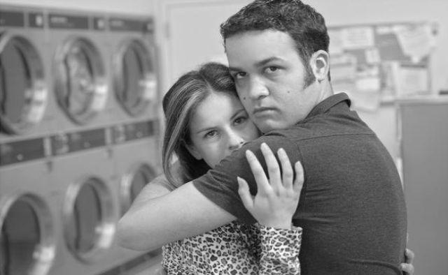 https://i0.wp.com/www.menscosmo.com/wp-content/uploads/2011/08/Overprotective-Boyfriend-.jpg