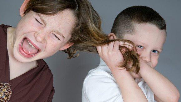 Adik Dan Kakak Memang Sering Menjengkelkan Namun Mereka