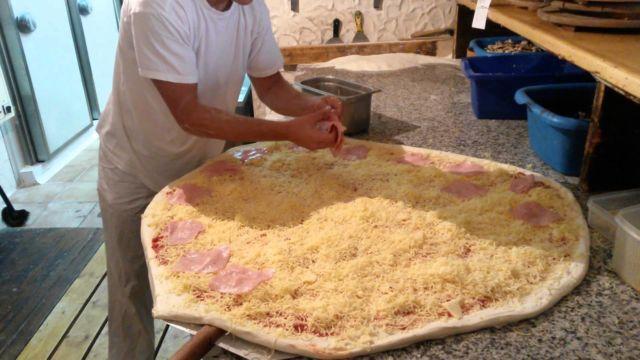 pizza jumbo