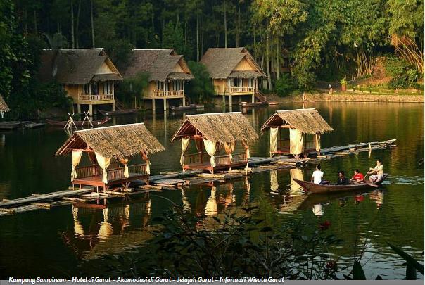 Psst... Kampung Sampireun Jadi Salah Satu Tempat Bulan Madu Terbaik Looh