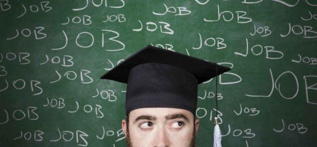 Fresh graduate yang siap mencari pekerjaan