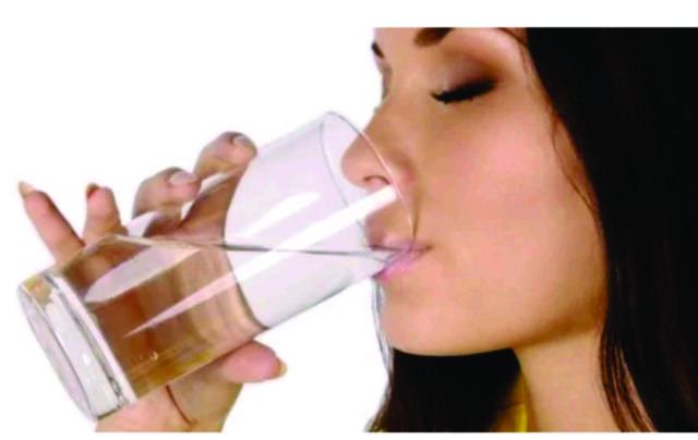 minum air putih sebelum tampil